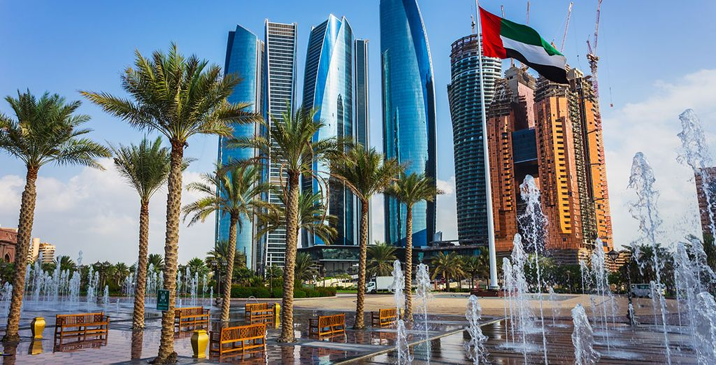 Pour prolonger l'évasion, optez pour une escale dans la grandiose Abu Dhabi