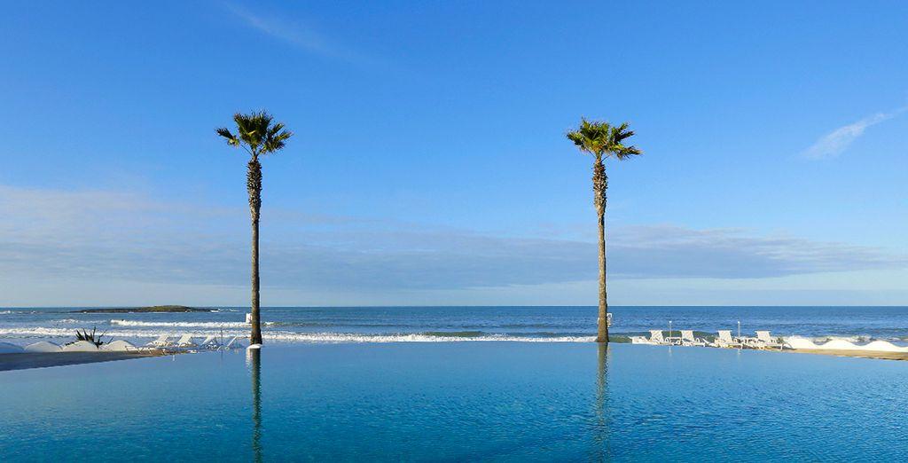 Depuis la plage, plongez vos yeux dans le bleu de l'océan...