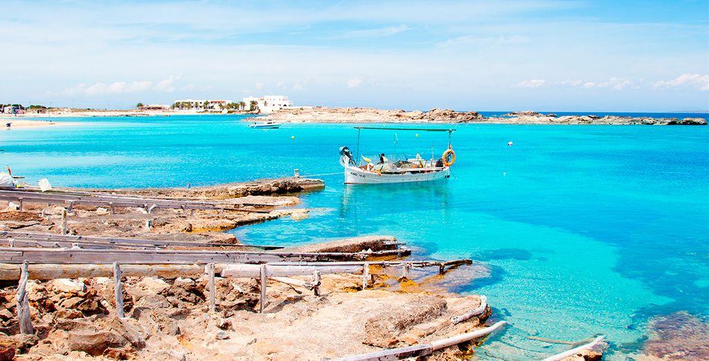 Alors n'attendez plus pour découvrir les nuances bleutés de cette île préservée