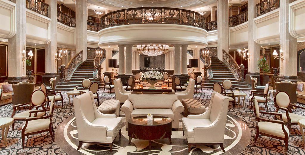 Hôtel St Regis Moscow Nikolskaya 5*