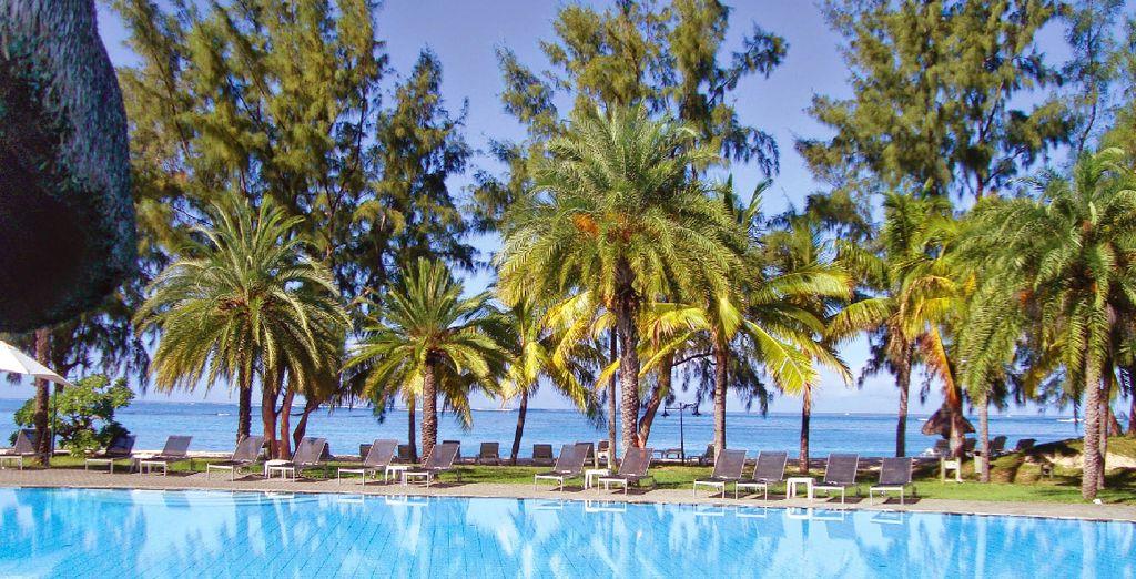 Au pied de ce site paradisiaque: votre hôtel, le Coral Riu 4*