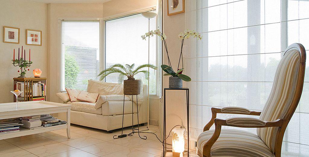 Le salon moderne et accueillant - Villa 2 chambres jusqu'à 4 personnes Plouhinec