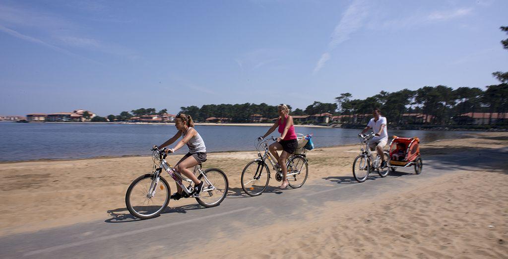 Ou terminez la journée par une balade à vélo le long des lacs ou des océans