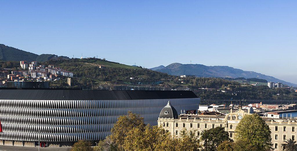 La struttura si trova a pochi minuti dalle principali attrazioni della città, come il famoso stadio di San Mamés
