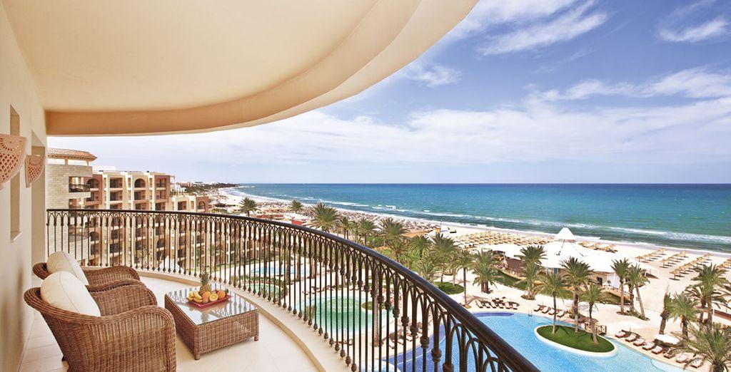Un resort con vista mozzafiato sul mare vi attende