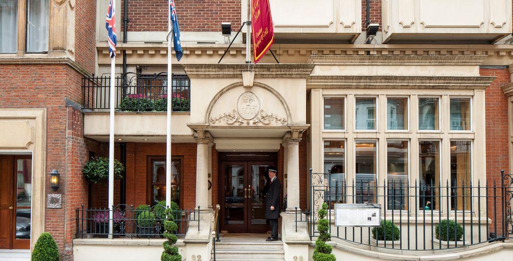 Accomodatevi in un elegante hotel nel cuore di Londra