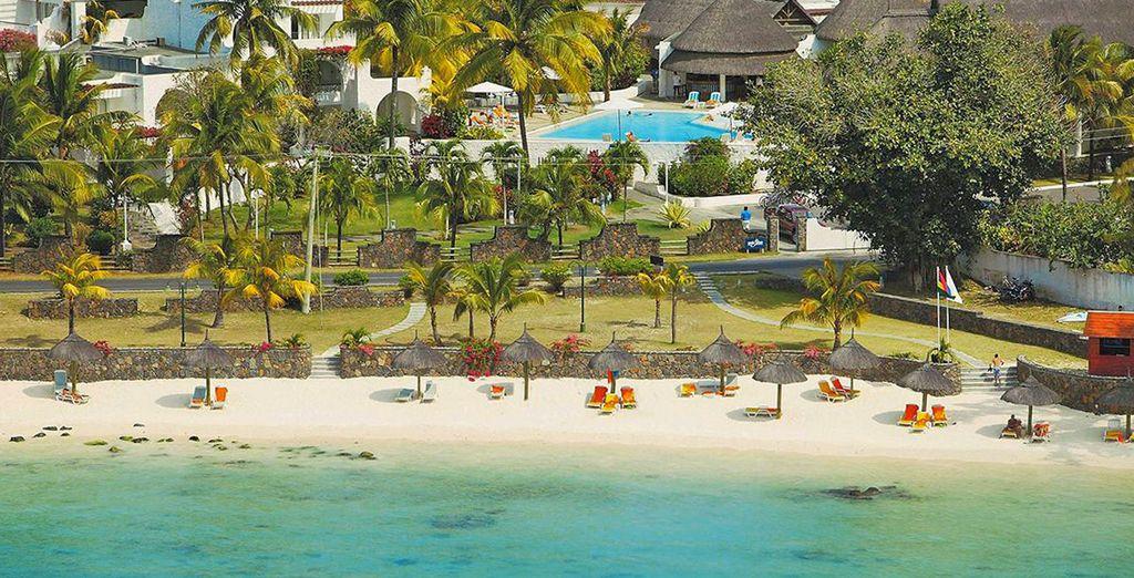 Lo splendido Casuarina Resort & Spa 4* vi attende in una cornice paradiasica lungo la spiaggia di sabbia bianca