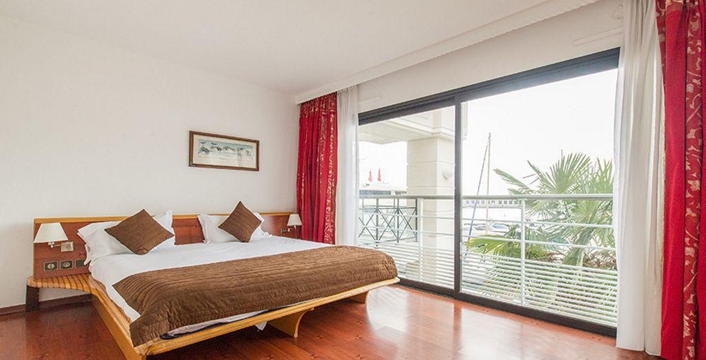 dove vi accoglieranno confortevoli e ampie Suite Riviera