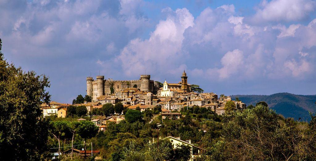 Fotografia della città di Bracciano e del suo castello, Lazio
