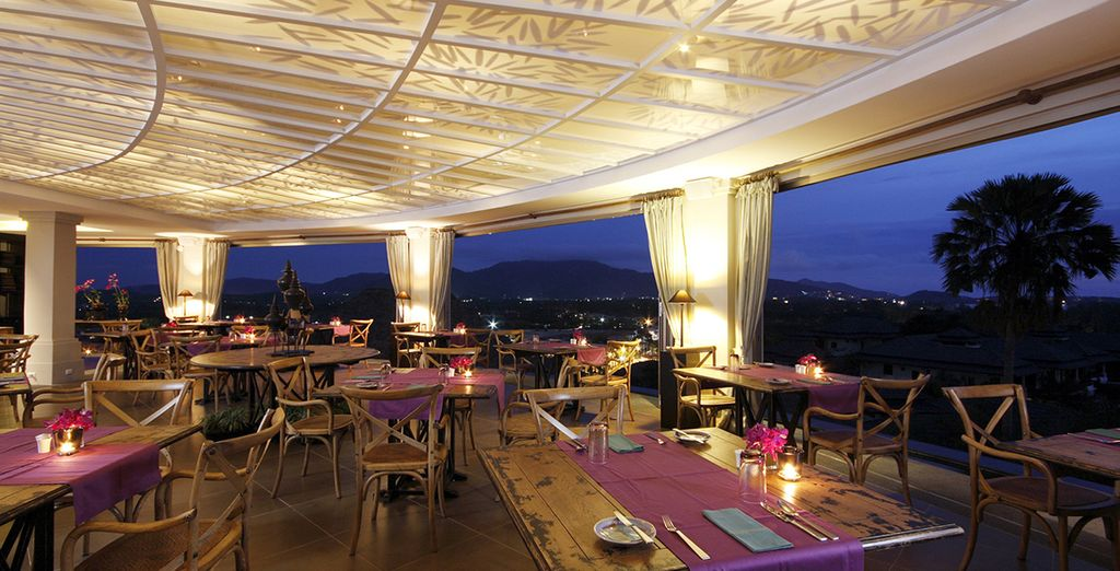 I deliziosi piatti e bevande del ristorante The Plantation aggiungeranno il giusto tocco al vostro viaggio romantico