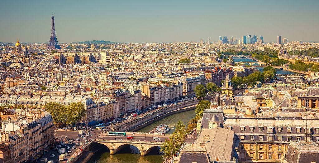 Fotografia della città di Parigi in Francia, vista dall'alto