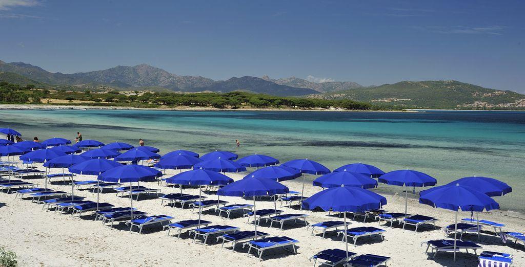 oppure tuffatevi nelle acque cristalline del mare della Sardegna