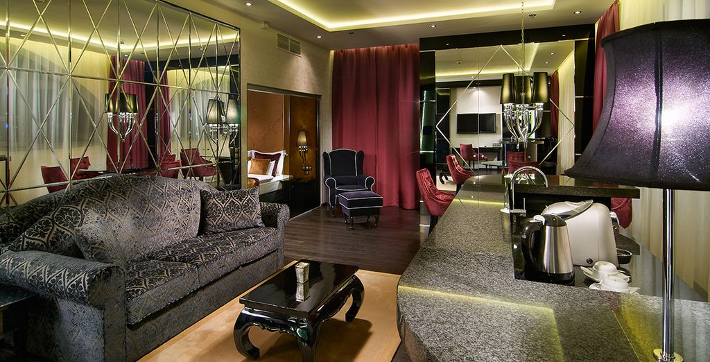 Vi accoglie a Budapest nell''Hotel Mirage Fashion 4*