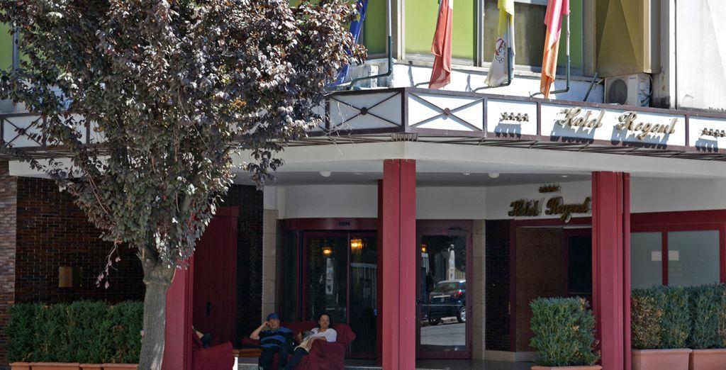 Il vostro hotel si affaccia su una delle più belle zone di Roma...