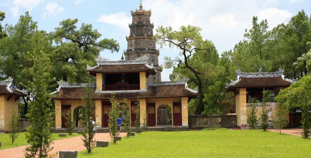 La Pagoda di Thien Mu, un luogo di arte e di storia immerso nella vegetazione tropicale