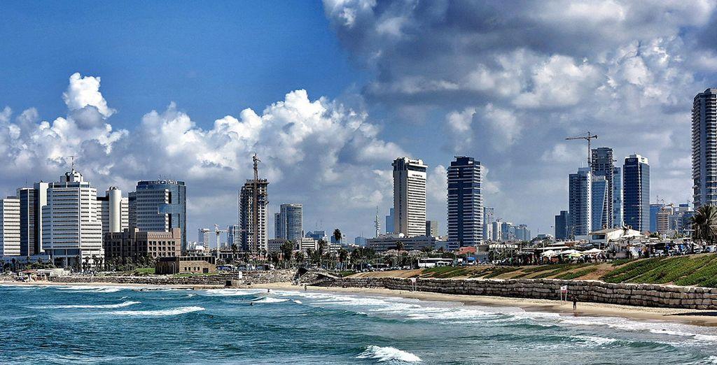 La vostra prima tappa sarà Tel Aviv, una città sul mare