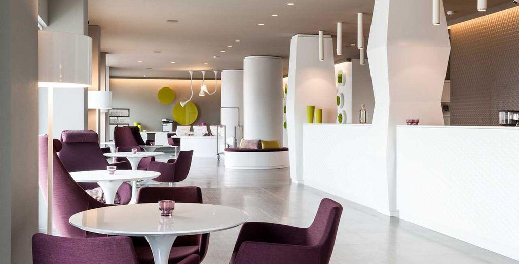 L'area lounge dal design lineare e semplice