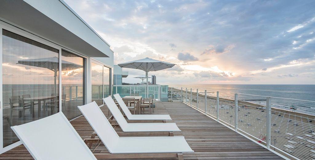 e l'edificio progettato dal famoso architetto statunitense Richard Meier