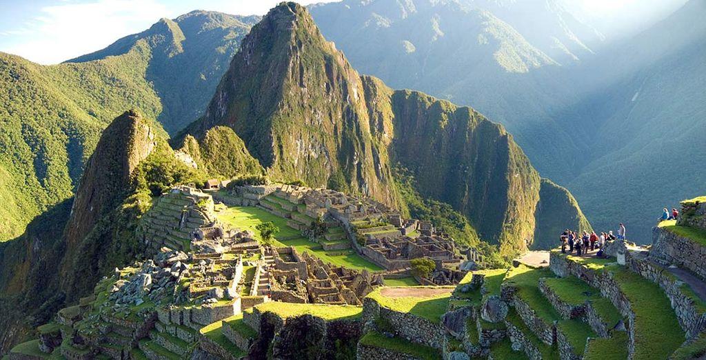 Fotografia dei paesaggi naturali del Perù, montagne e sito storico