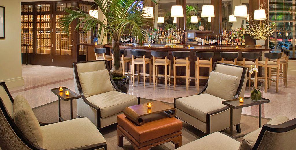 Al Lobby Bar gustare un favoloso drink