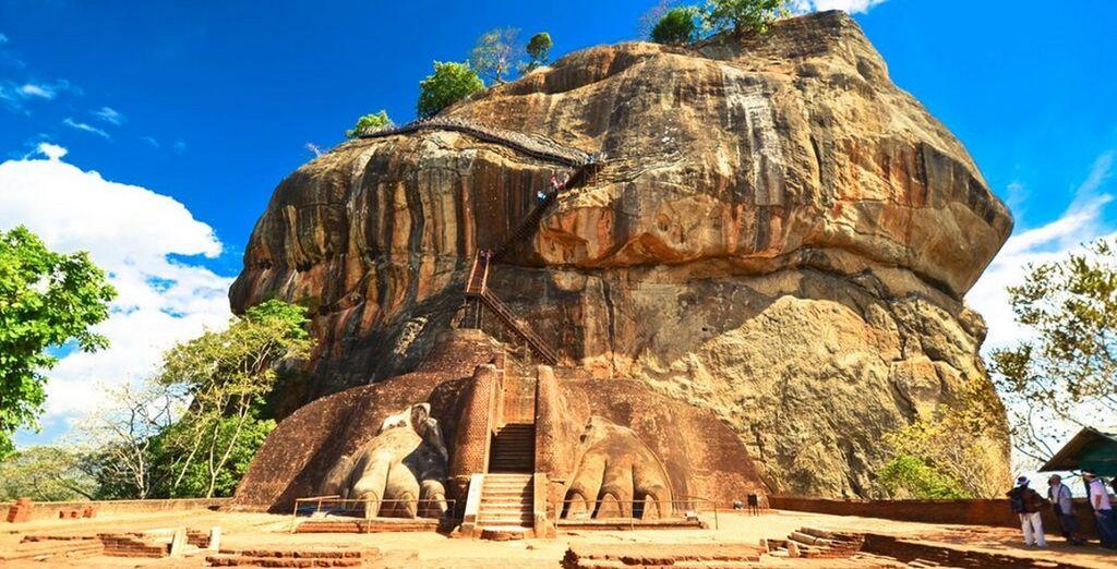 Esplorerete poi la bellissima Sigiriya