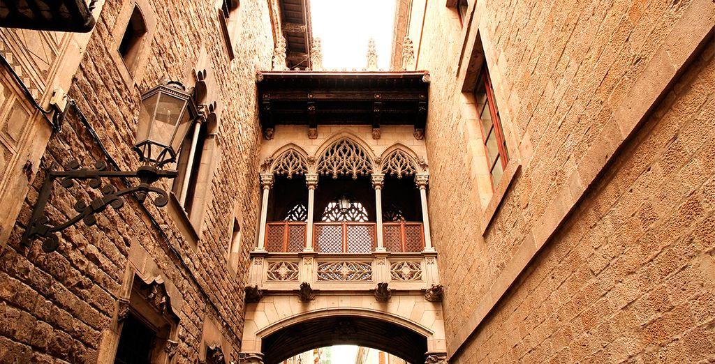 Non si può lasciare Barcellona senza perdersi tra i vicoli del Barrio Gotico