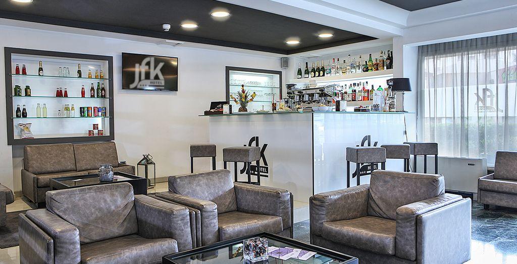 oppure poterete concedervi un ottimo cocktail al bar dell'hotel