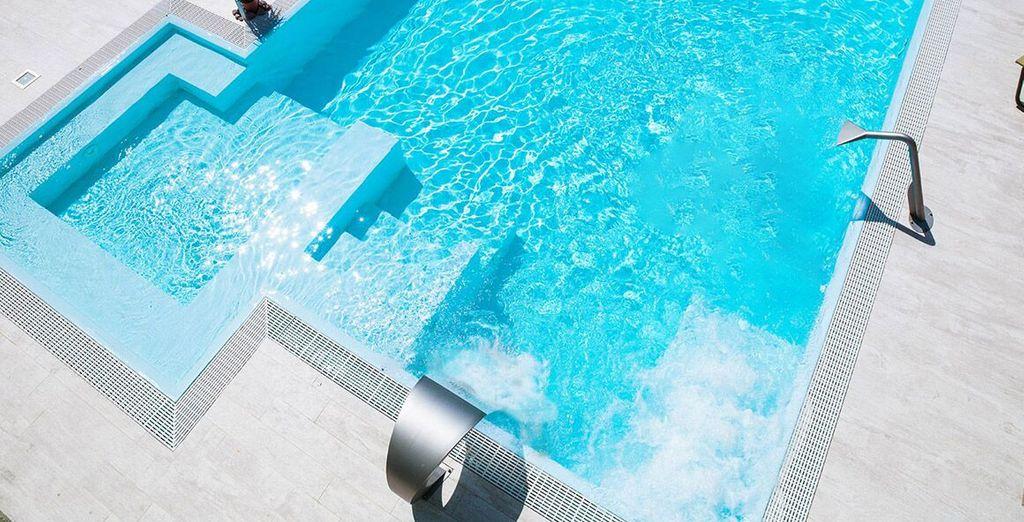 Rinfrescatevi in piscina