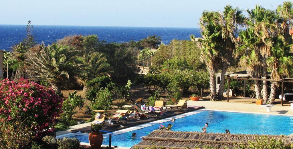 Soggiornate presso il Resort Le Lanterne a due passi dalla baia di Bue Marino