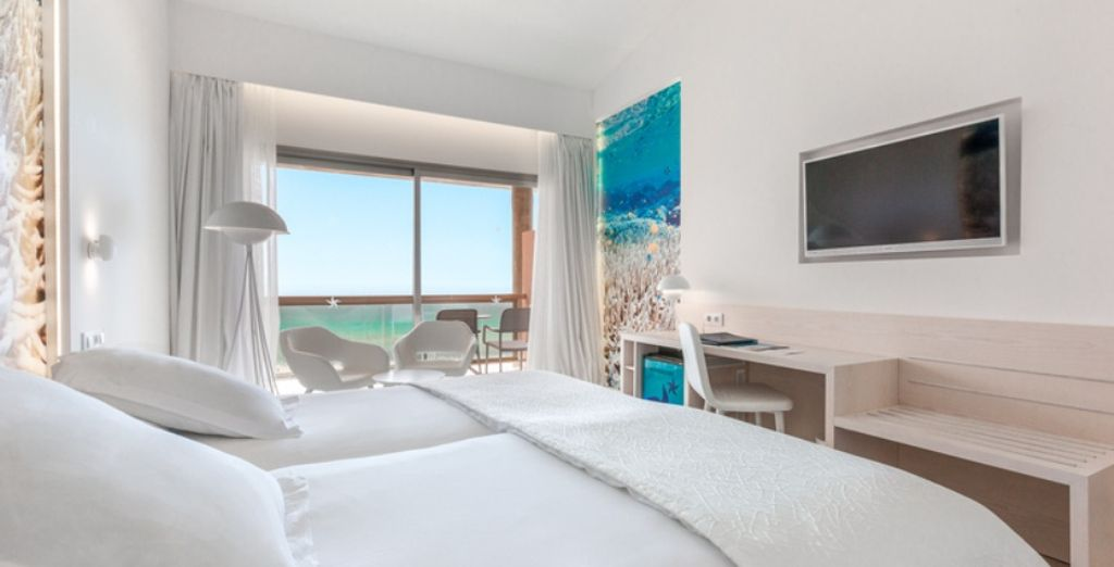 Camera doppia con tutti i comfort e vista mare