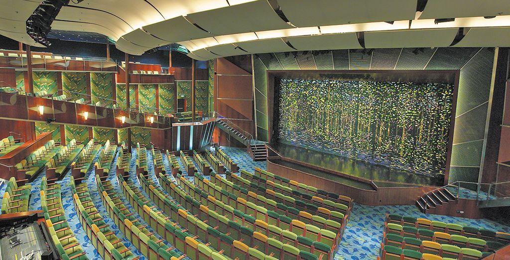 Vi attendono diverse attività ricreative e incredibili opportunità di intrattenimento, come il teatro con i suoi spettacoli stile Broadway