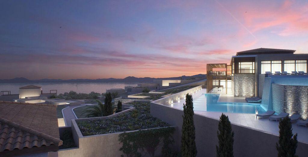 Nuovissimo resort nella Baia di Agion Orous