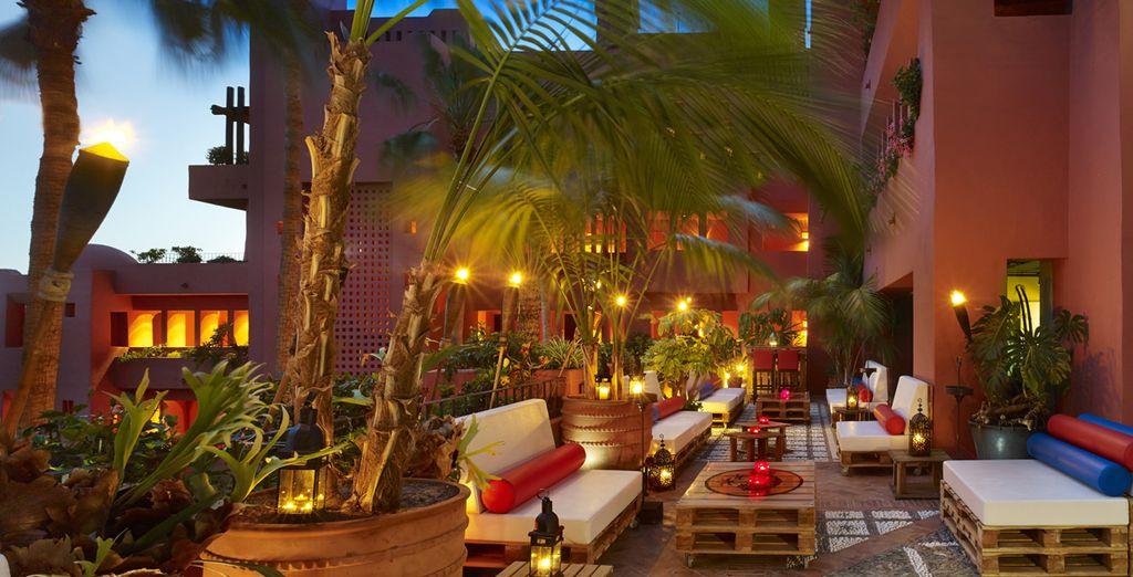 Gustatevi un drink in terrazza
