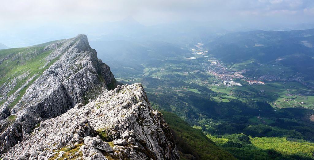 Visiterete luoghi come il Parco Naturade di Aizkorri