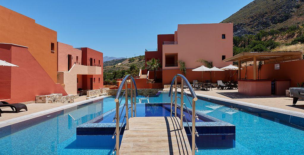 L'hotel mette a disposizione 3 piscine all'aperto