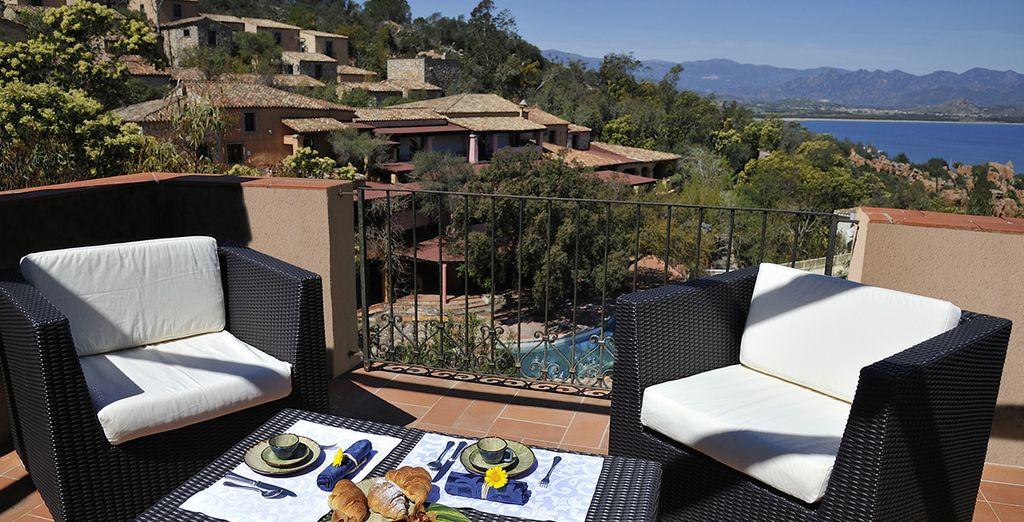 Gustate un'ottima colazione in terrazza
