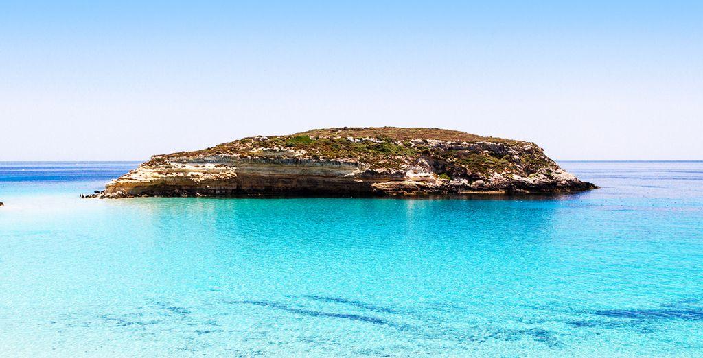 Scoprite le bellezze di Lampedusa, del suo mare e delle sue spiagge protette.