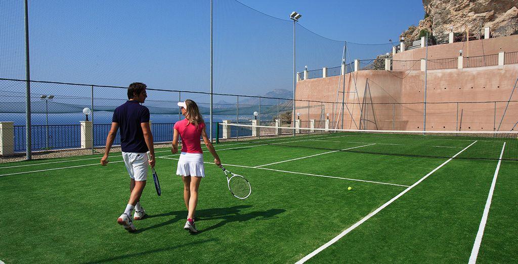 Divertitevi in compagnia con una partita a tennis