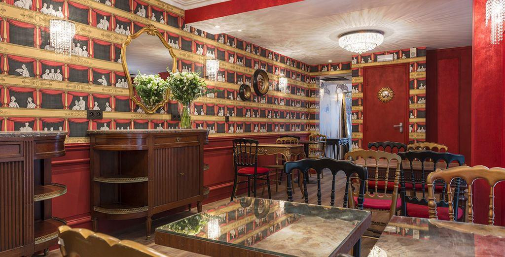 Iniziate al meglio la giornata con un'abbondante colazione servita nell'apposita sala, arredata nello stile caratteristico di Parigi