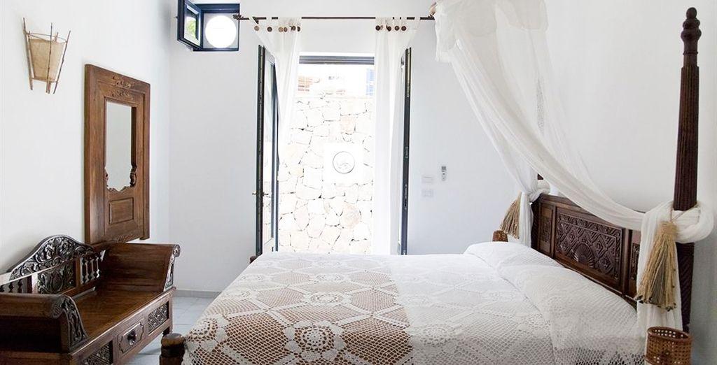 La vostra confortevole camera dai toni naturali
