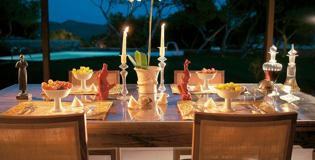 Gustate ottime pietanze presso gli innumerevoli ristoranti del Resort