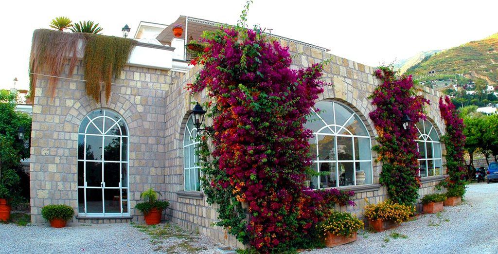 L'elegante tenuta Villa Tara