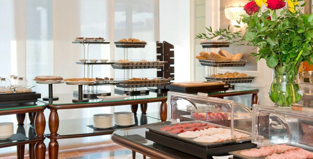 Un ricca colazione continentale a buffet vi attende ogni mattina