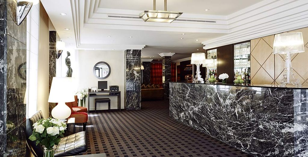 L'Hotel Plaza Tour Eiffel si trova in una posizione invidiabile