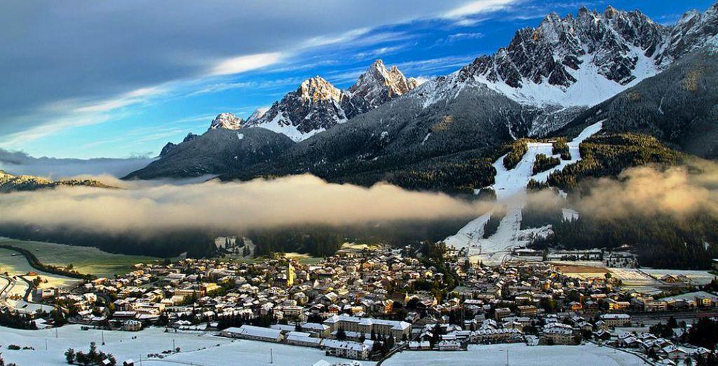 L'hotel è a un passo dagli impianti sciistici delle Dolomiti