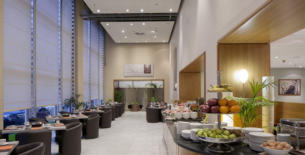 Una ricca colazione a buffet vi attende ogni mattina