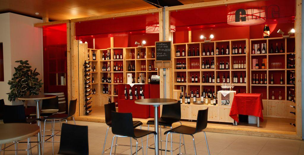 Gustate un ottimo drink al wine bar