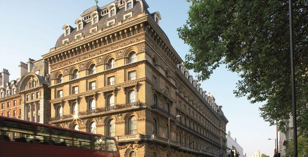 situata nel cuore di Londra, a pochi passi da Buckingham Palace