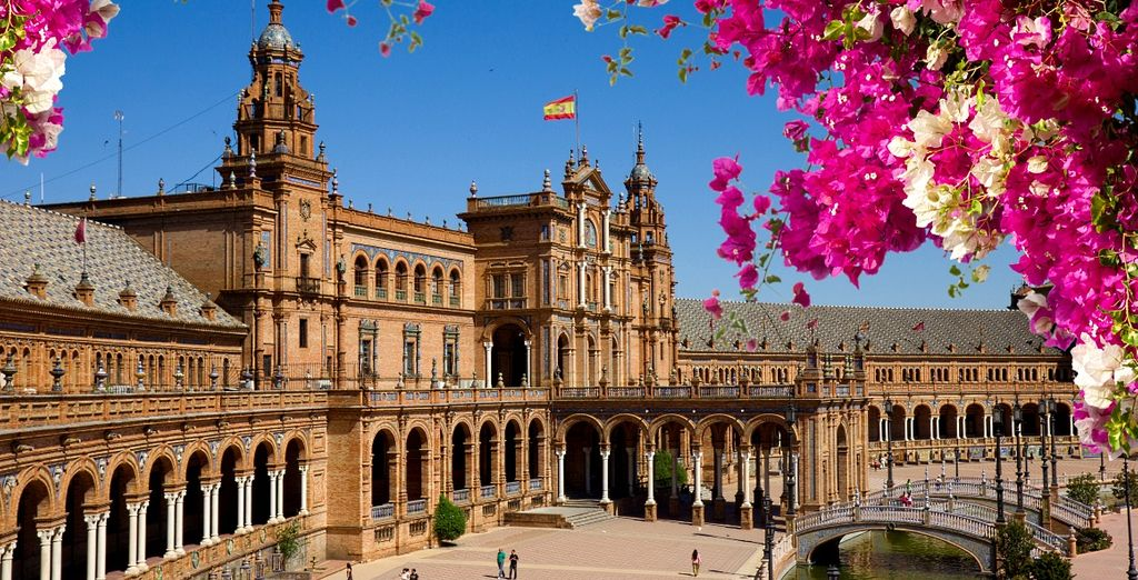 L'imponente Cattedrale de Santa Maria a Siviglia è stata dichiarata Patrimonio dell'Umanità dall'UNESCO