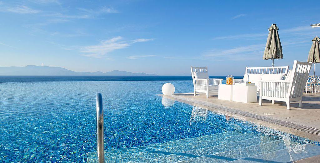 Vi innamorerete della bellissima piscina a sfioro